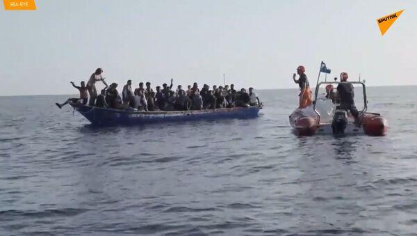 U pobřeží Libye bylo zachráněno 44 uprchlíků  - Sputnik Česká republika