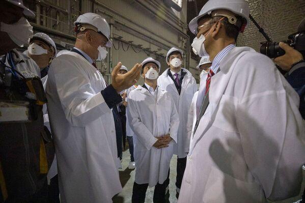 Černobyl dostal nový sarkofág. Kryt umožní turistům, aby navštívili vyloučenou zónu - Sputnik Česká republika
