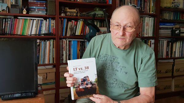 Vladimír Francev, spisovatel, vydal 20 knih o československých i ruských tancích - Sputnik Česká republika