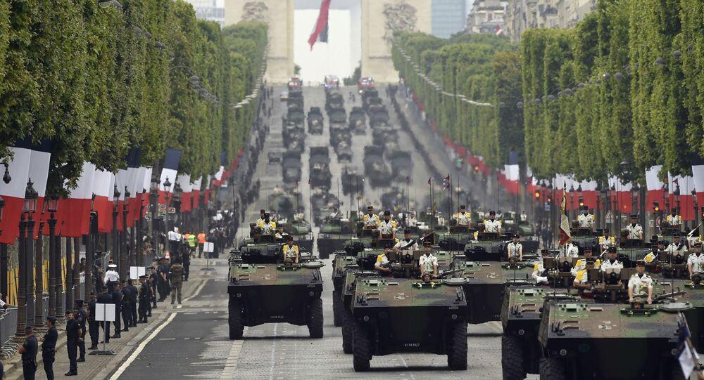 Vojenská přehlídka v Paříži