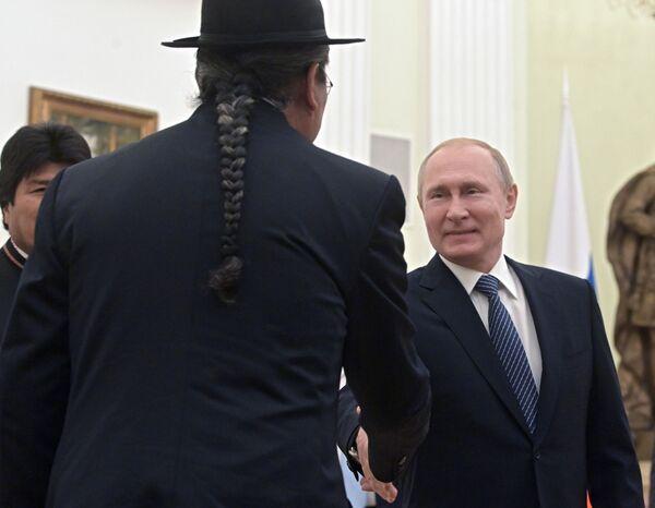 Přehled týdne v obrázcích: Vysoká móda, divoká příroda a politická jednání  - Sputnik Česká republika
