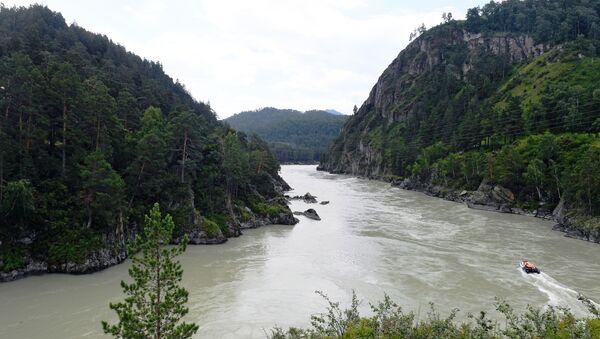 Řeka Katuň v Čemalské oblasti Altajské republiky, Rusko - Sputnik Česká republika