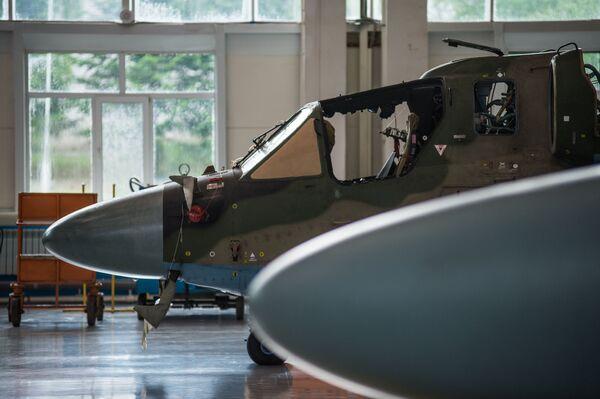 Ka-52 Alligator v koncové montážní dílně závodu Progress - Sputnik Česká republika