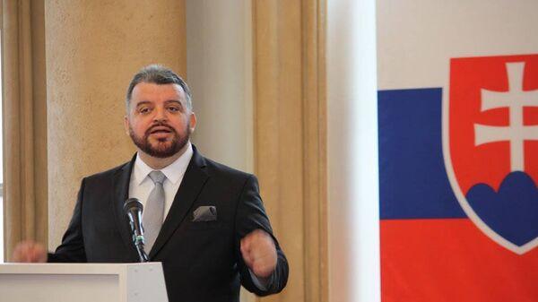 Chmelár hledá lék na fašizaci společnosti: Levice by měla odmítnout volbu mezi neoliberalismem a konzervatismem - Sputnik Česká republika