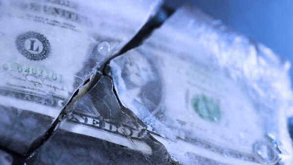 Roztržený dolar - Sputnik Česká republika