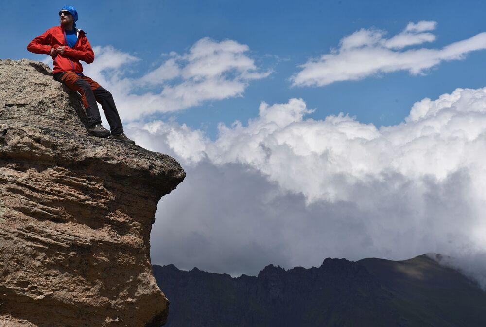 Obdivuhodná příroda. Zážitkové lezení na nejvyšší horu Kavkazu a Ruska - Elbrus