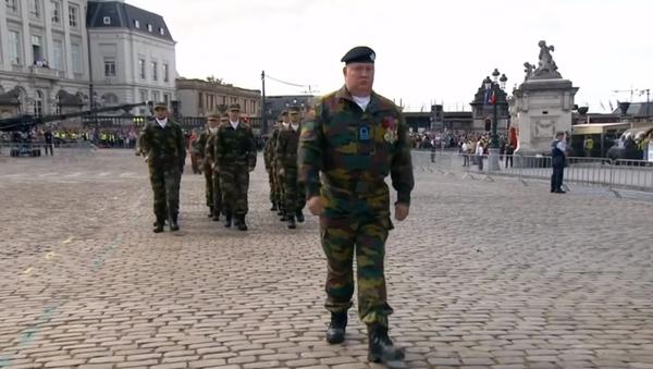 Kdo napadne Belgii, bude mít co do činění s těmito hochy! Hanebný pochod kadetů pobavil sociální sítě. Video - Sputnik Česká republika