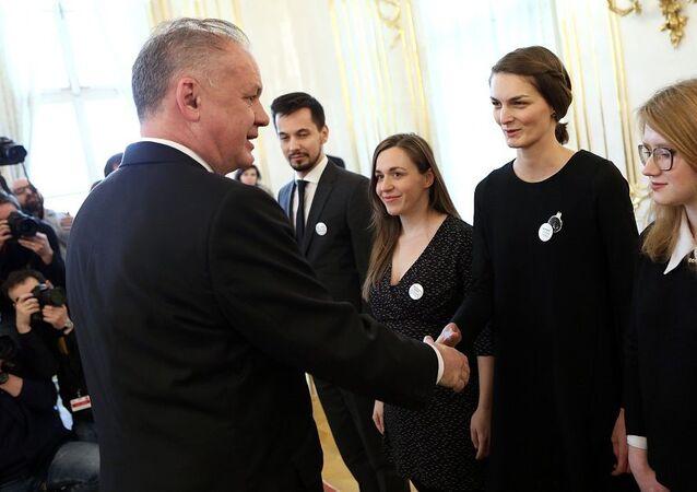 Andrej Kiska a zástupci organizace Za slušné Slovensko. Archivní fotografie