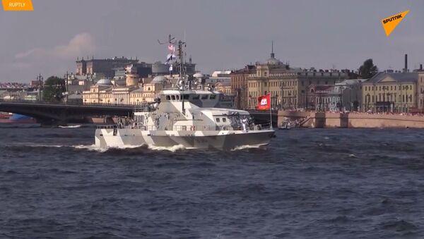V Petrohradě se konala generální zkouška přehlídky na Den námořnictva  - Sputnik Česká republika