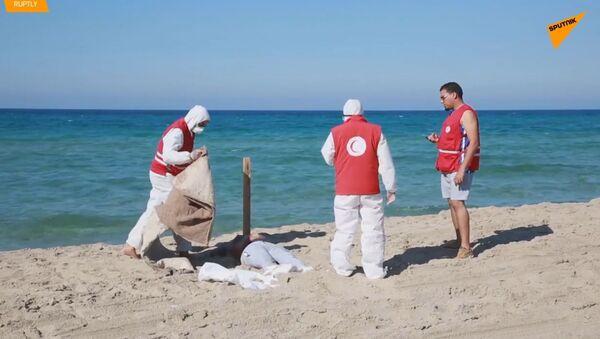 Více než 60 těl bylo nalezeno u pobřeží Libye po převrácení lodi s migranty - Sputnik Česká republika