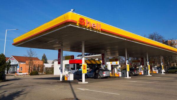 Byl vytvořen seznam zemí s nejdostupnějším benzínem. Česko předstihlo Slovensko - Sputnik Česká republika