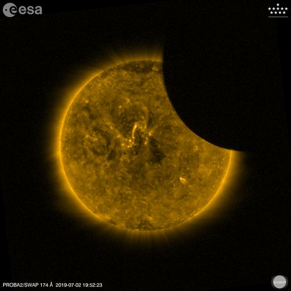 Měsíc zakrývající část Slunce - Sputnik Česká republika