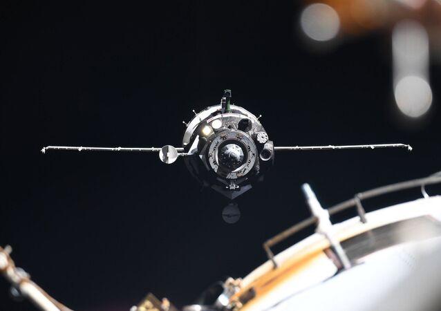 Sojuz MS-13 u ISS.