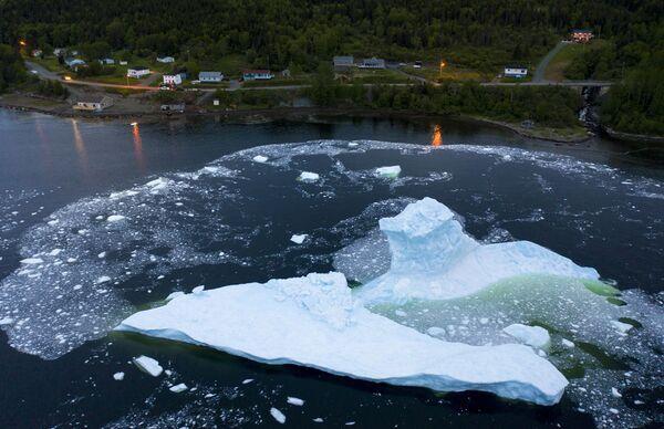 Zhroucení ledovců na pobřeží Kanady - Sputnik Česká republika