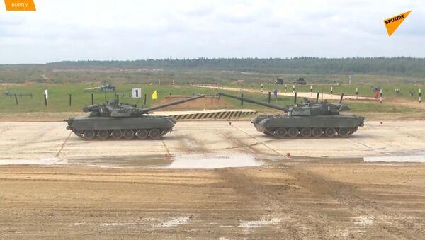 Mezinárodní armádní hry 2019 odstartovaly tankovými triky v Alabinu - Sputnik Česká republika