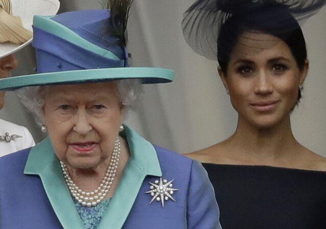 Britská královna Alžběta II., Camilla vévodkyně z Cornwallu a Meghan vévodkyně ze Sussexu
