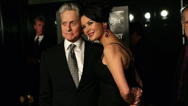 Michael Douglas společně s manželkou Catherine Zeta-Jonesovou  - Sputnik Česká republika