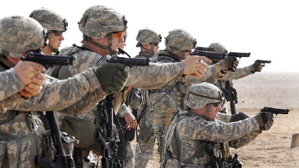 Americká armáda během taktických cvičení v Basře v Iráku - Sputnik Česká republika