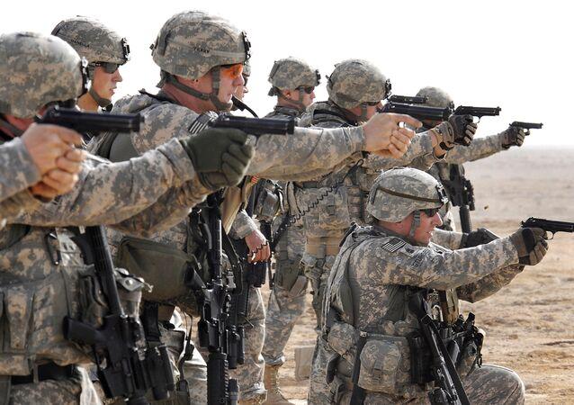 Americká armáda během taktických cvičení v Basře v Iráku