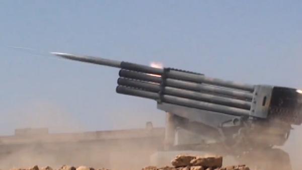 Video: Válka v Sýrii.  Syrská arabská armáda pokračuje ve vojenských operacích v provincii Hamá - Sputnik Česká republika