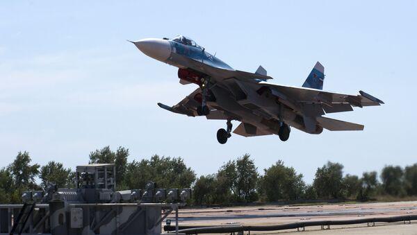 Bojový Su-33 na Krymu - Sputnik Česká republika