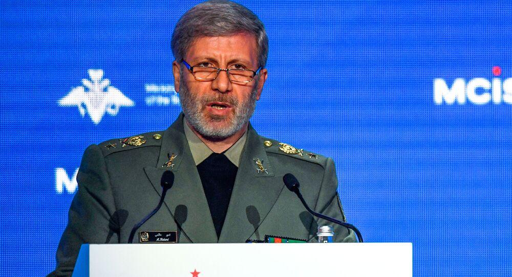 Íránský ministr obrany, brigádní generál Amír Chátami