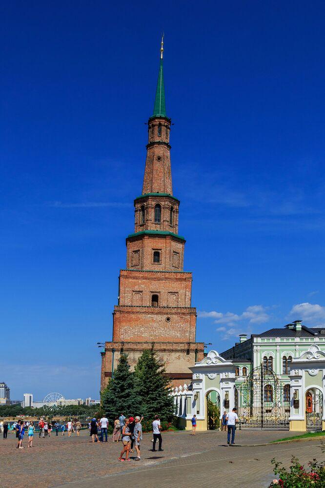 Syuyumbike Šikmá věž