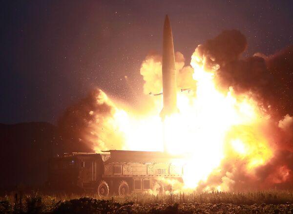 Start nové balistické rakety v Severní Koreji. - Sputnik Česká republika
