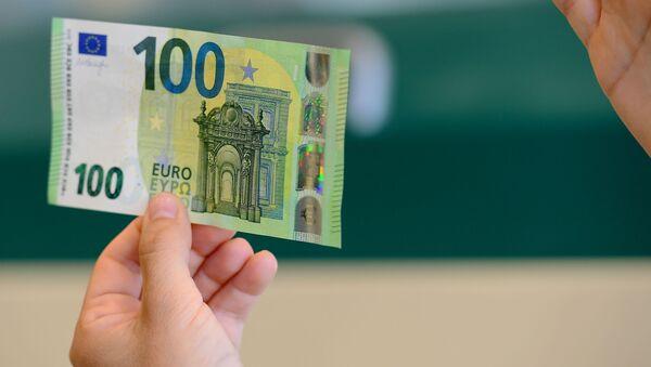 100 eur - Sputnik Česká republika