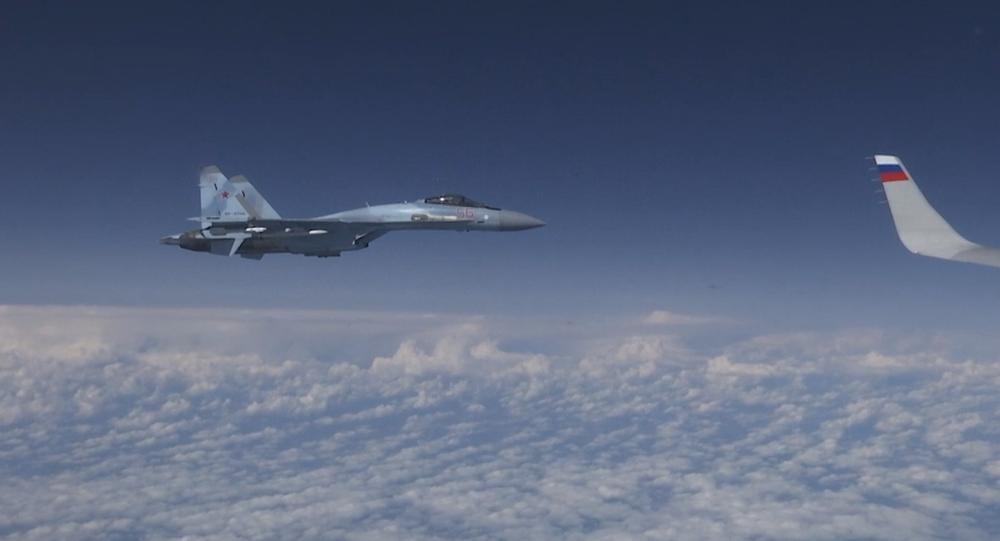 Video: Stíhací letoun NATO se pokusil přiblížit k letadlu ruského ministra obrany Šojgu