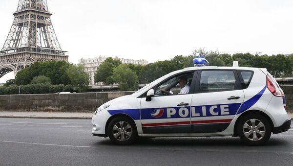 Policejní auto v Paříži - Sputnik Česká republika