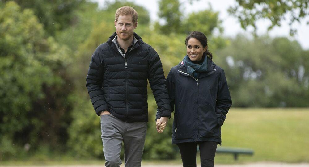 Princ Harry a Meghan Markleová na procházce