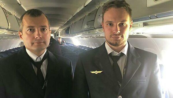Letci Damir Jusupov a Georgij Murzin - Sputnik Česká republika