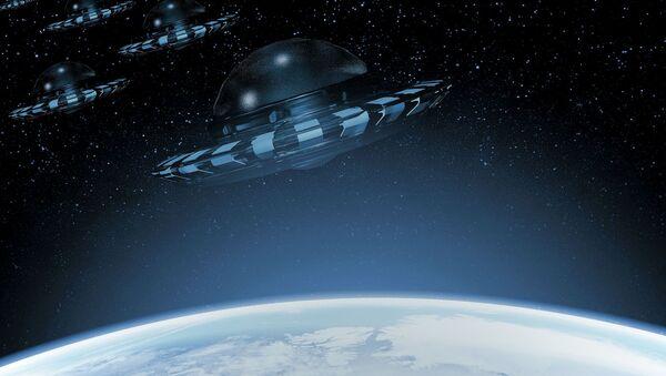 Umělecký obraz UFO poblíž Země - Sputnik Česká republika