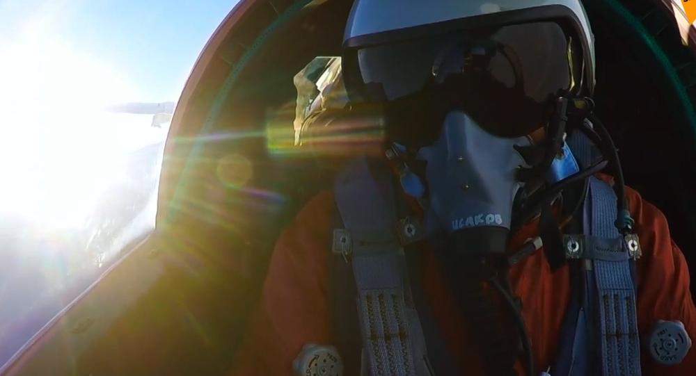 Video: Boj nadzvukových výškových stíhaček Mig-31BM ve stratosféře. Unikátní záběry z kokpitu pilota