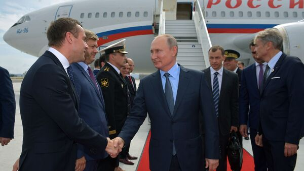 Vladimir Putin na pracovní návštěvě Francie - Sputnik Česká republika