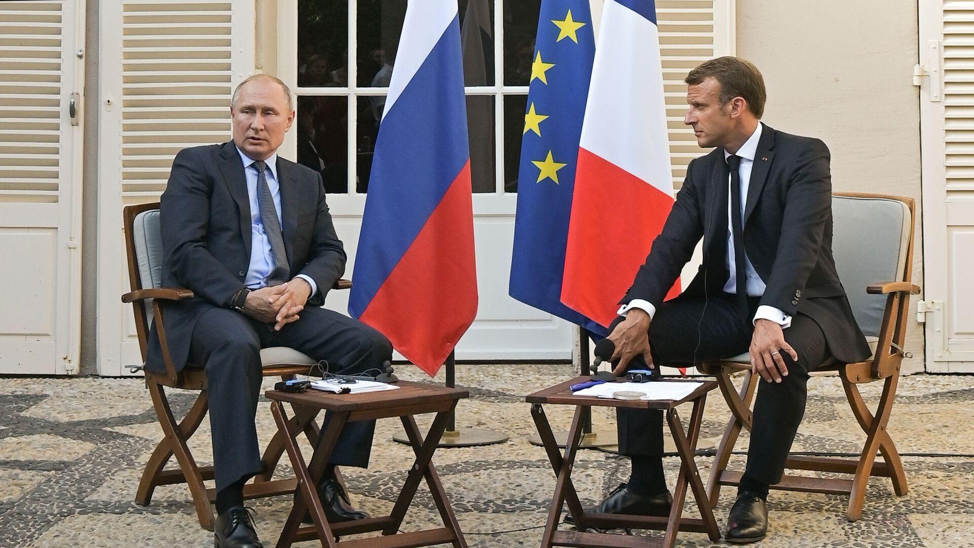 Ruský prezident Vladimir Putin a francouzský prezident Emmanuel Macron během schůzky v Fort de Bregancon 19. srpna 2019 - Sputnik Česká republika, 1920, 20.08.2021