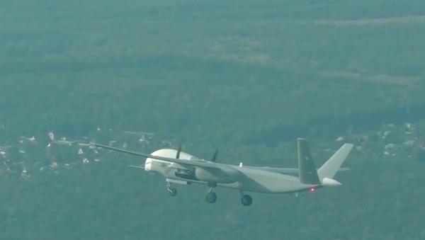 Video: Nejnovější ruský vojenský dron s téměř neomezeným  dosahem Altius-U absolvoval první let - Sputnik Česká republika