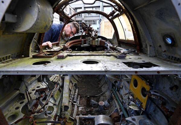 Jedinečné snímky. Restaurace sovětského frontového bombardéru z dob 2. světové války Tu-2 - Sputnik Česká republika