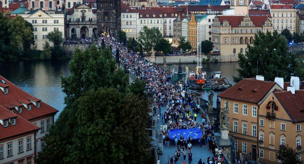 Akce spolku Milion chvilek pro demokracii věnovaná výročí okupaci Československa vojsky Varšavské smlouvy a vzpomínce na oběti demonstrací v srpnu 1969, 21. srpna 2019