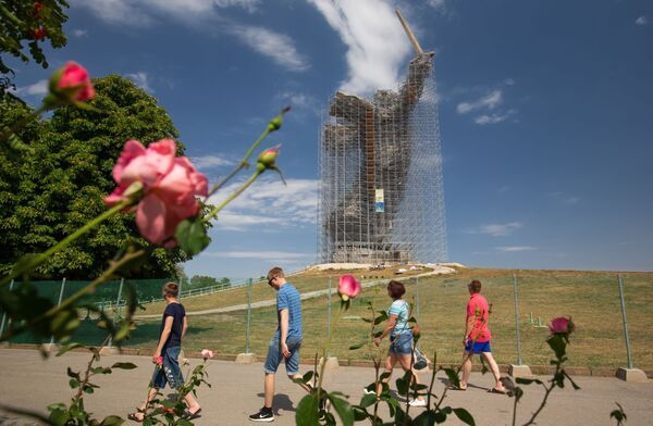 Vyšší než slavná Socha svobody. Matička Rus z Volgogradu prochází kompletní restaurací - Sputnik Česká republika