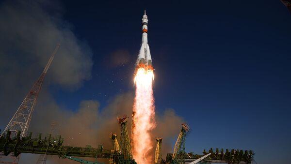 Start rakety Sojuz 2.1а - Sputnik Česká republika