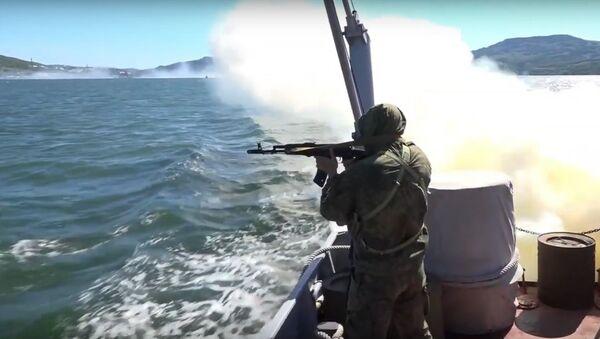 Bylo zveřejněno video, kde je zachyceno cvičení tajného přesunu jaderných ponorek - Sputnik Česká republika