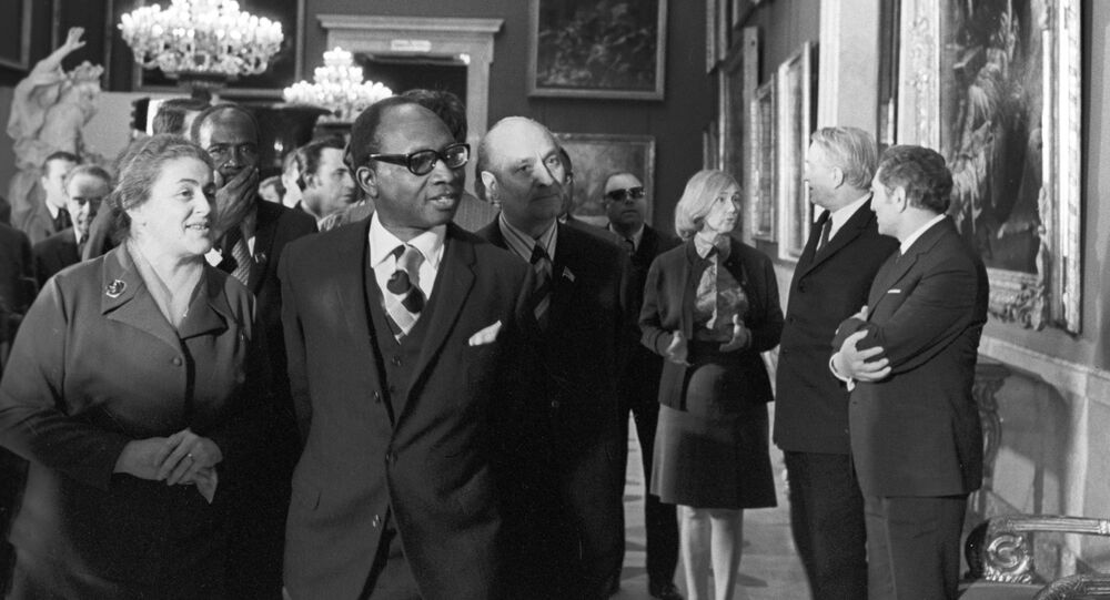 Tehdejší prezident Gambier Dawda Kairaba Jawara v sovětském Leningradu (Petrohrad). 1975