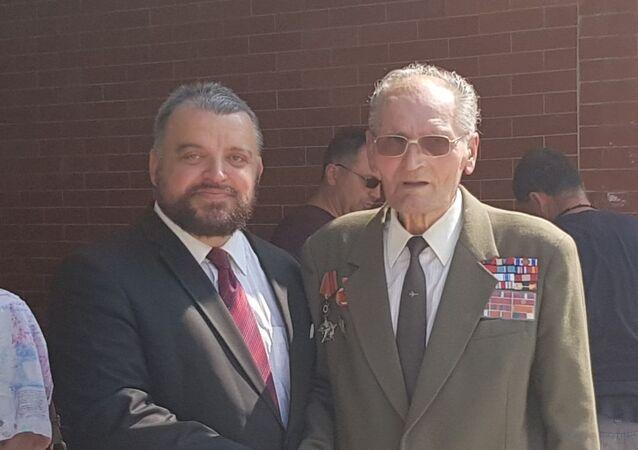 Eduard Chmelár s veteránem SNP Jozefem Kulichem ve Zvolenu