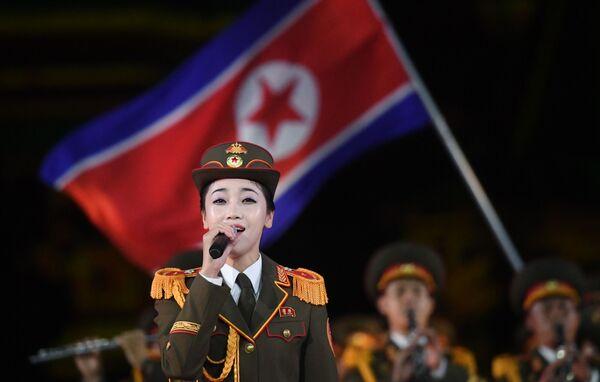 """Krása, """"military a hudba najednou? V případě členek orchestru armády KLDR na festivalu Spasská věž to platí - Sputnik Česká republika"""