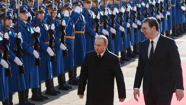 Prezident Ruska Vladimír Putin a jeho srbský protějšek Aleksandar Vučić v Bělehradě - Sputnik Česká republika