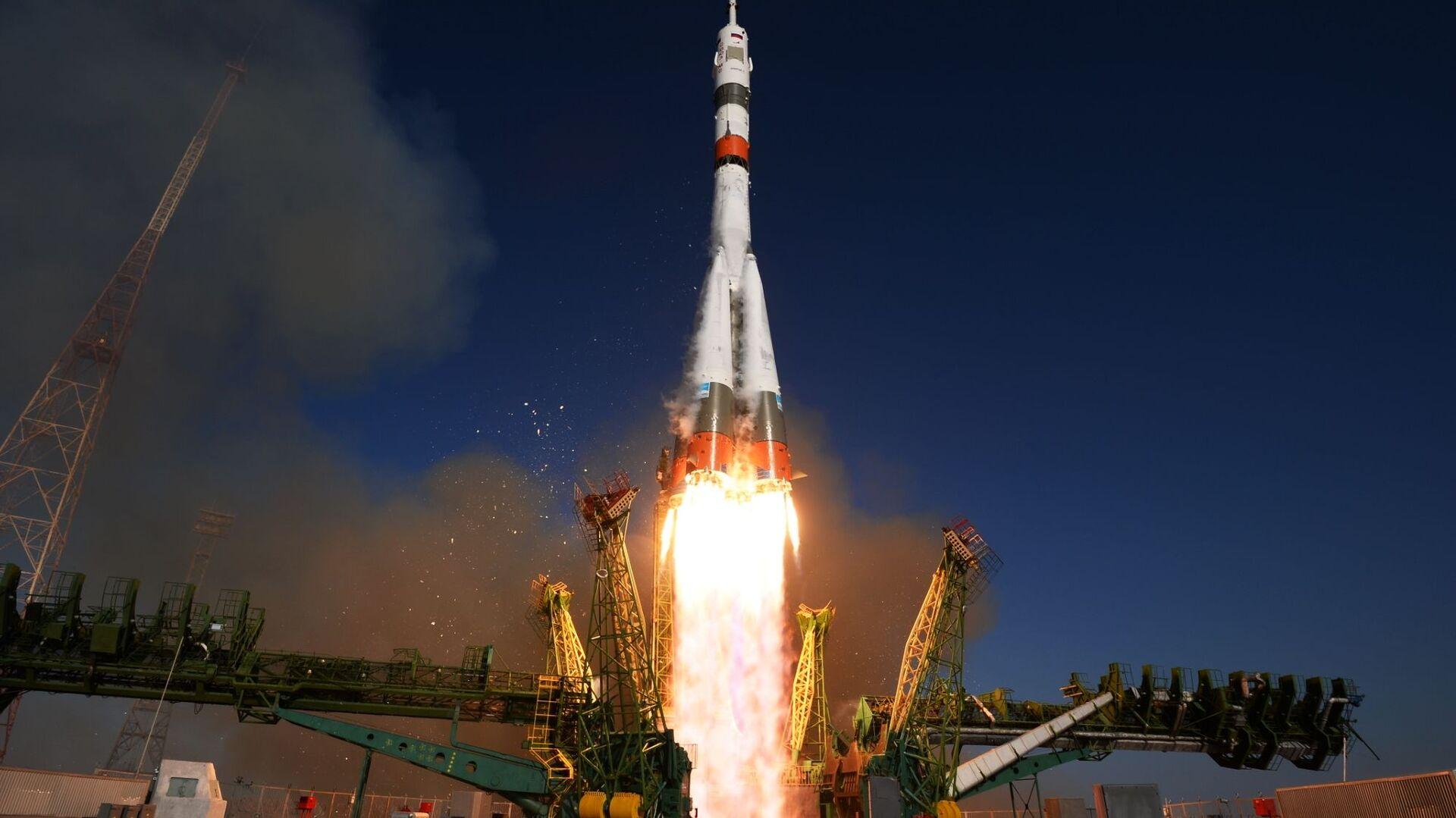 Start rakety z kosmodromu Bajkonur - Sputnik Česká republika, 1920, 28.03.2020