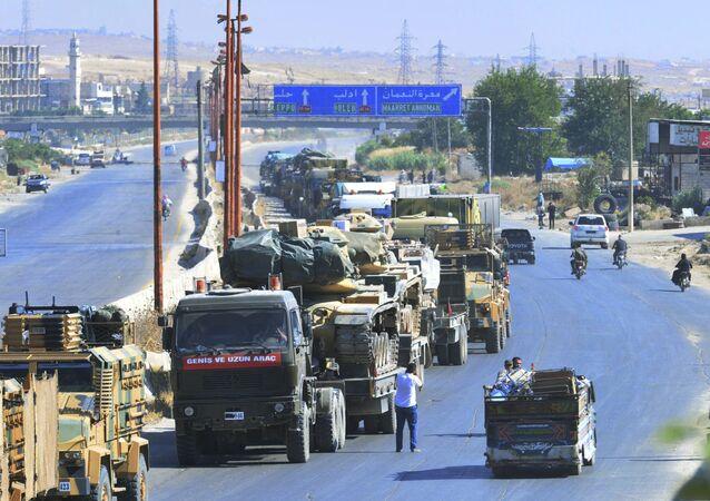 Turecký konvoj v syrském Idlibu