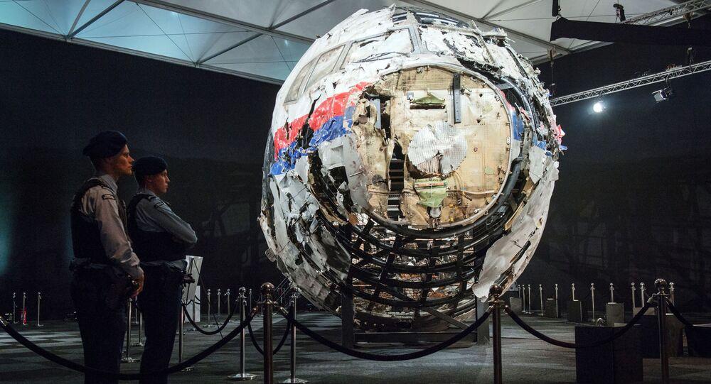 Zpráva nizozemské bezpečnostní rady o zřícení Boeing 777 letu MH17